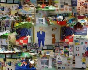 Collage di foto della mostra di fine anno della scuola secondaria di primo grado di Brignano